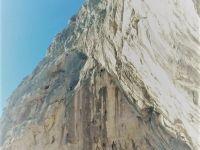 Fotka koja dovoljno govori o impozantnosti Velike rupe na Gredi. Pronađite Vanu u ovoj surovoj vertikali...